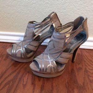 Gianni Bini Gray Pewter Peep Toe Platform Heels
